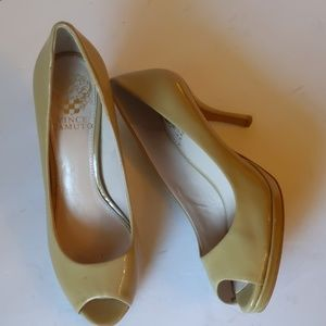 Vince Camuto open toe nude flats-sz 6 1/2M